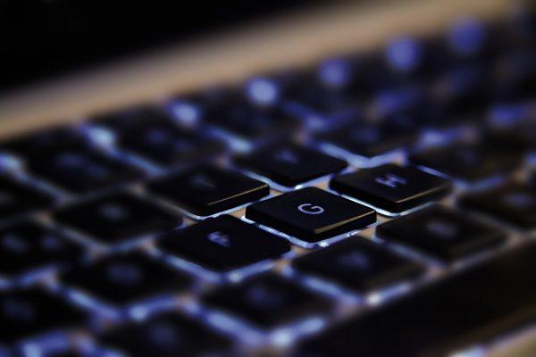 Et ergonomisk tastatur gør det sjovere at spille
